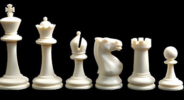 Plastico Solido Chessmen – Rey 3.75″