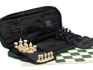 Set de ajedrez y piezas reglamentarias peso normal | Tablero de ajedrez en vinilo | Bolso de lujo